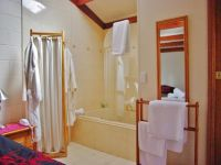 Spa Room - Luxurious towels and bath robes